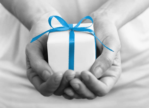 Gift with purchase program